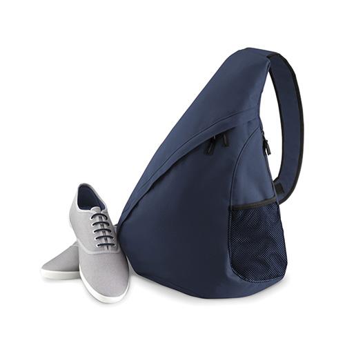 Die Schultertasche Monostrap Freizeittasche, zu 100 % aus 600D Polyester. Dreieck Rucksack mit gepolstertem Rückenteil und diagonaler ZIP-Öffnung. Mit kleiner Zip-Seitentasche innen und seitlicher Netztasche. Mobiltelefon oder MP3-Player direkt im Tragegurt einstecken